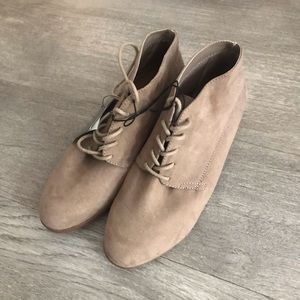 Shoes - Tan Chukka Booties